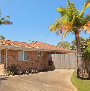 2 Eastern Court Mount Coolum, 400 Dollar Bond, Pet Friendly, Linen Included photos Exterior
