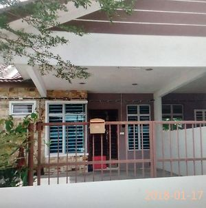 Alya Homestay photos Exterior