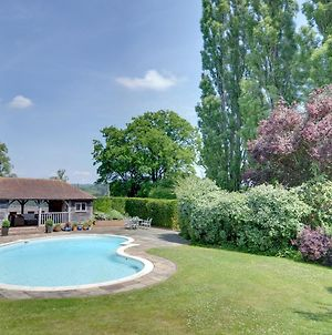 Vintage Holiday Home In Leigh With Swimming Pool photos Exterior