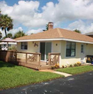 Pet Friendly Key West Style Located In An Ocean Front Community With Free Parking A Pool And A Private Boardwalk To The Beach 2 Bedroom Cottage photos Exterior
