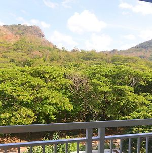 Pico De Loro Hamilo Coast By Homemates photos Exterior