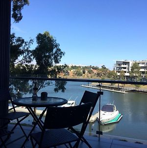 Marina View Apartment On The Maribyrnong River, Melbourne photos Exterior