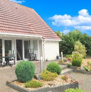 4 Pers. Holiday Home Near Wadden Sea Friesland photos Exterior