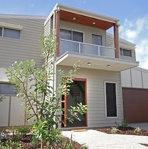 15 Wave Crescent Mount Coolum - Pet Friendly, Wifi, Foxtel, Linen Included photos Exterior