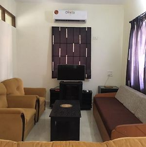 Plush 4Bhk Holiday Home With Pool photos Exterior