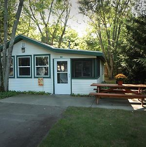Goshorn Lake Cottage #11 photos Exterior