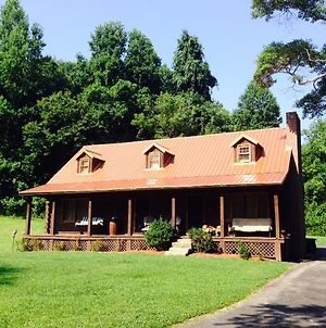 Log Cabin In The Field photos Exterior