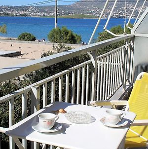 Apartment Sea View In Front Of The Beach Of Agia Marina photos Exterior