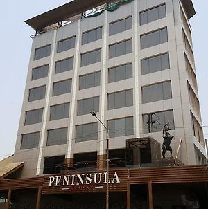 Peninsula Redpine photos Exterior