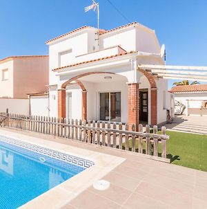 Holiday Home In L'Escala Near Beach With Private Swimming Pool photos Exterior