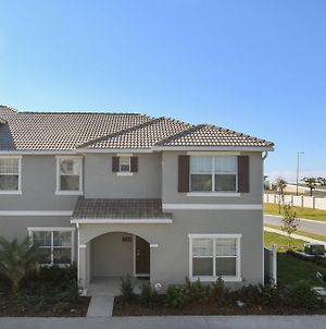 Luxury On A Budget Storey Lake Resort Feature Packed Relaxing 5 Beds 4 Baths Townhome 5 Miles To Disney photos Exterior