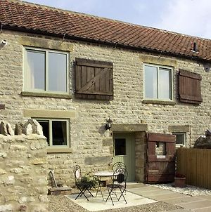 Cow Byre Cottage, Pickering photos Exterior