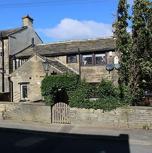 Bobbin Cottage, Bradford photos Exterior