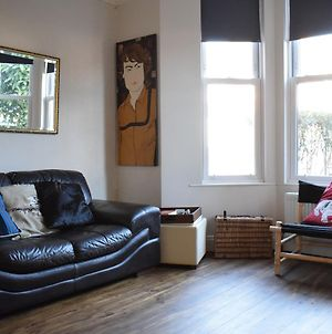 1 Bedroom Garden Flat In North West London photos Exterior
