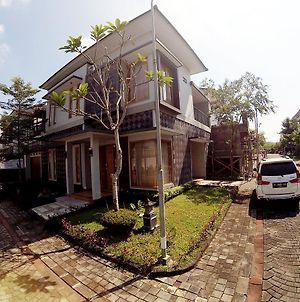 Grand Mansion Homestay Jogja photos Exterior
