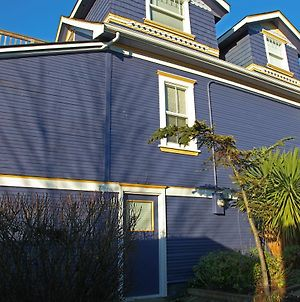 2Bdrm Garden Suite On Fifth Street Near Quadra Village 17 photos Exterior