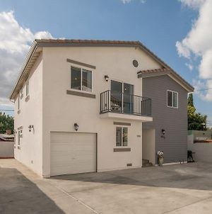 Large Modern Hollywood Duplex Centrally Located photos Exterior
