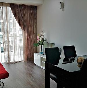 Deluxe Apartment In Shah Alam City Near Msu photos Exterior