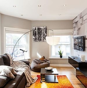 Cool Designer Home In The Best Theatre Location Of West End photos Exterior