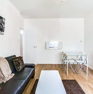 Great 1 Bed In Perfect West London Location photos Exterior