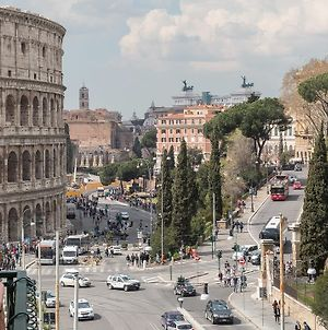 Rental In Rome Colosseo View Luxury photos Exterior