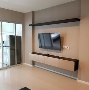 Spacious One Bedroom New Condo - Bts Sukhumvit photos Exterior