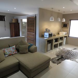 Beautiful Studio Modern Securecomfy Stay In Windhoek Golf Estate photos Exterior