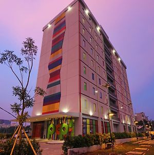 Pop! Hotel Bsd City Tangerang photos Exterior