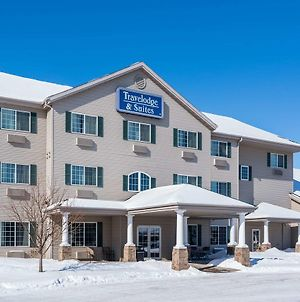 Travelodge & Suites By Wyndham Fargo/Moorhead photos Exterior