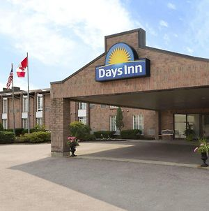 Days Inn By Wyndham Brantford photos Exterior