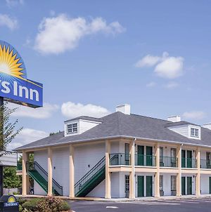 Days Inn By Wyndham Simpsonville photos Exterior