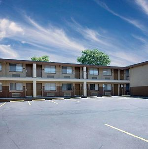 Days Inn By Wyndham Spokane photos Exterior