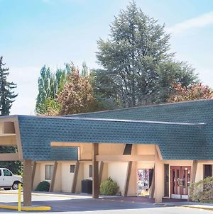 Days Inn By Wyndham Klamath Falls photos Exterior