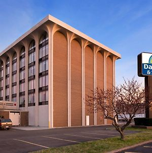 Days Inn & Suites By Wyndham Elyria photos Exterior