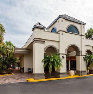 Days Inn & Suites By Wyndham Orlando Airport photos Exterior