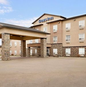 Days Inn By Wyndham Innisfail photos Exterior