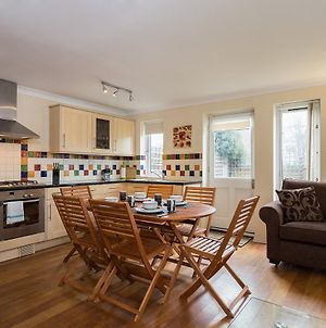 Lovely 2Bd House Near Wapping Station photos Exterior