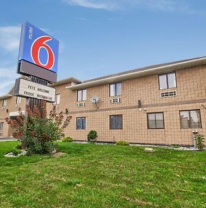Motel 6-Windsor, On photos Exterior