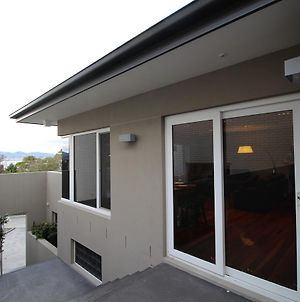 Sunny 3 Bedroom Apartment In Sandy Bay photos Exterior