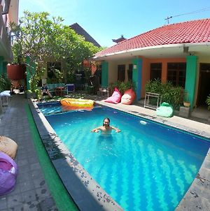 Celebbest Kuta Hostel photos Exterior