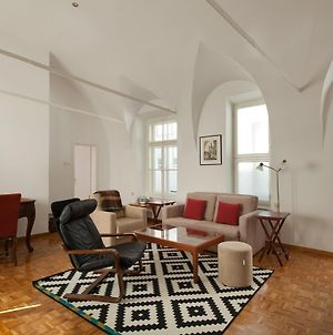 Charming Apartment Laura By Town Hall photos Exterior