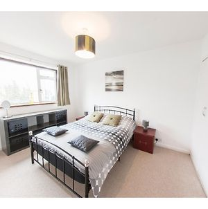 Bright & Airy 2-Bedroom Flat For 6 In Blackheath photos Exterior