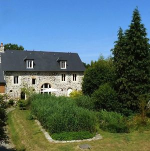 Traditional Holiday Home In Courcy Nearby River photos Exterior