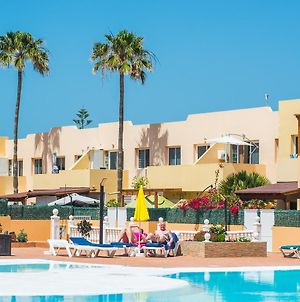 Family Apartment In Heart Of Corralejo- Only 1 Min To Sea, With Pool & Free Wifi By Holidays Home photos Exterior