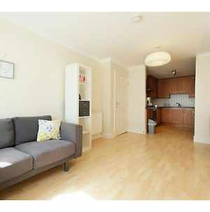 Cozy Bright & Clean 1Br Flat For 2 In London photos Exterior