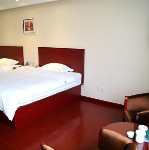 Greentree Inn Jiangsu Zhenjiang Center Street No 1 People'S Hospital Express Hotel photos Exterior
