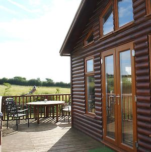 Fairview Farm Log Cabins & Holiday Accommodation Set In 88 Acres In Nottingham photos Exterior