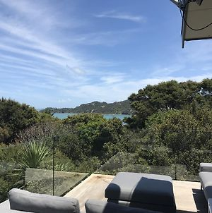 Oneroa Holiday Retreat With Seaview Plus Car photos Exterior