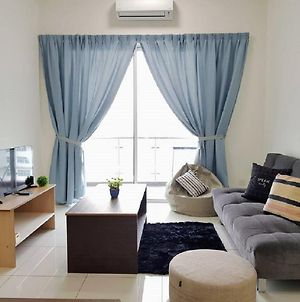 Puchong 11 Pax Ioi Mall Lrt Cozy Apartment Skypod photos Exterior