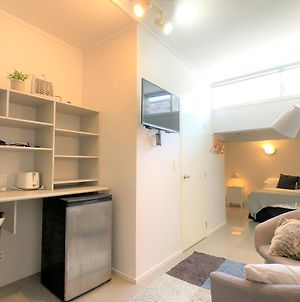 Nice And Cozy Studio In Kingsland. Great Value!!! photos Exterior